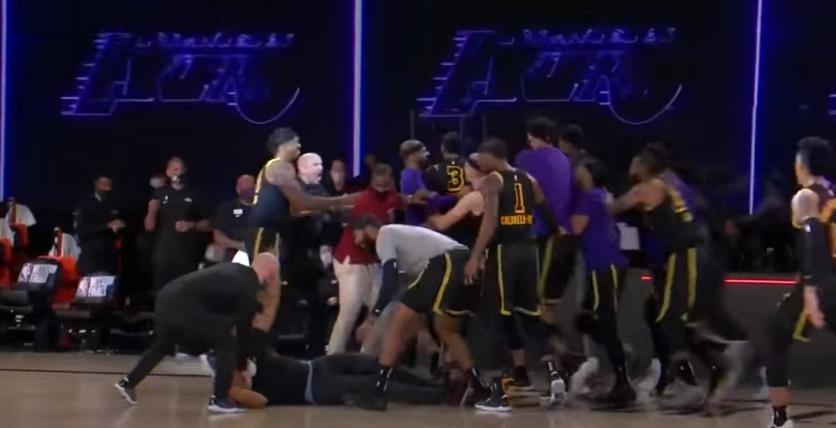 """Lakers, LeBron James su Anthony Davis: """"È un vero trascinatore, un giocatore diverso dagli altri"""""""