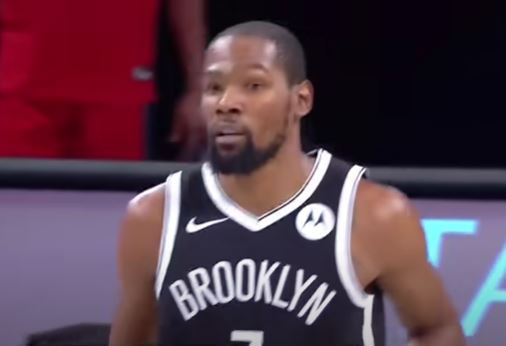 Durant trascina i Nets, successi Lakers e Clippers. Phoenix batte Miami