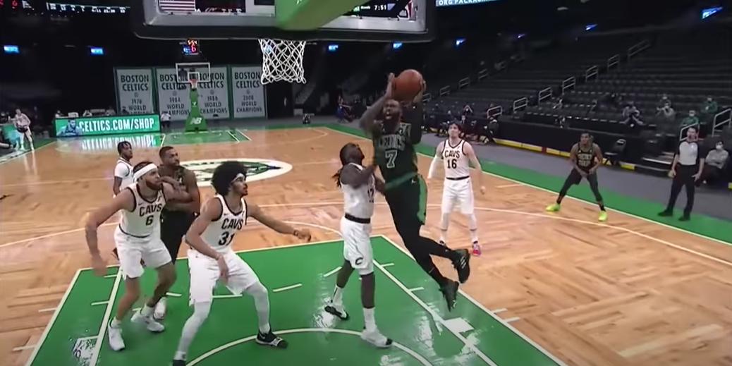 Leonard e Giannis guidano Clippers e Bucks, Celtics a valanga. Ok Spurs, Raptors, Blazers e Hornets